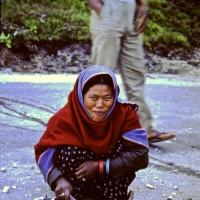 Bhutan 1992 - Paro lavori stradali_1